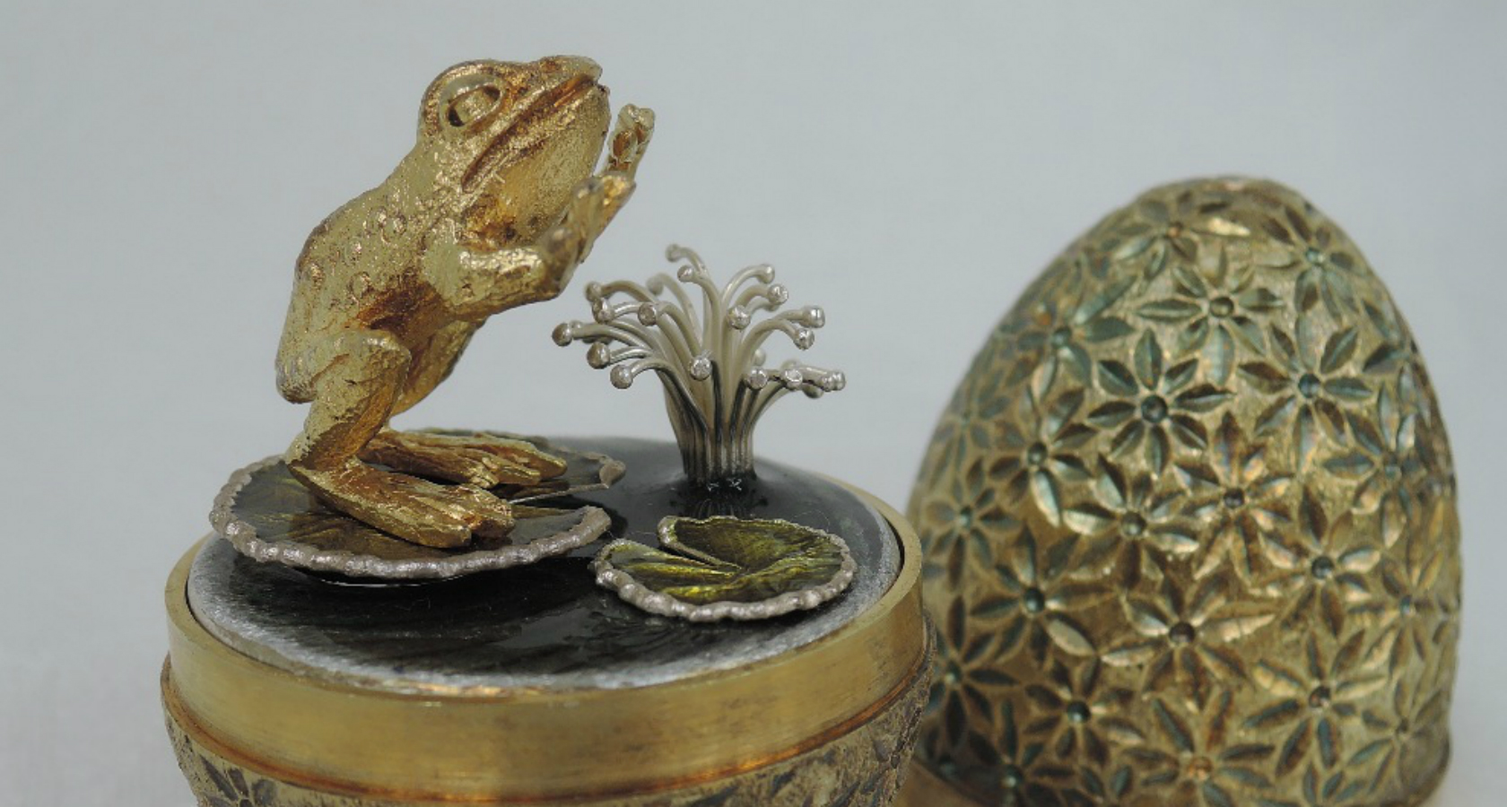 Stuart Devlin surprise Easter eggs at auction