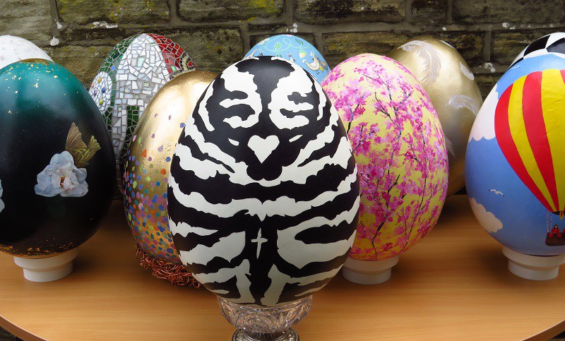 charity eggs up for auction