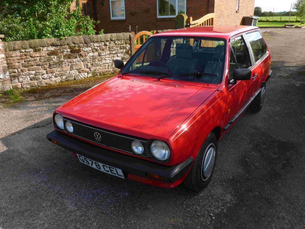 1989 VW POLO 1.3 CL - view of engine
